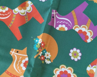 Swedish Dala Horse Häst on Green By Kokka Trefle Fat Quarter Quilt Fabric Sewing Fabric Retro Fabric