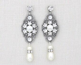 Bridal earrings, Pearl wedding earrings, Bridal jewelry, Long silver earrings, Vintage style, Swarovski earrings, Chandelier earrings