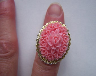 Pink Floral Cabochon Ring Lucite Doodaba