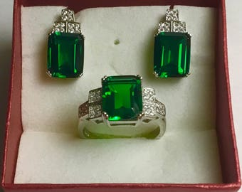 Exquisite silver 925* set with emerald 9 ct.  and cubic zirconia ring and earrings size 7.