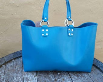 Sky blue tote with internal pocket