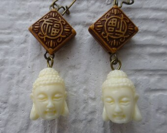 Asian Earrings/Buddha Earrings/Oriental Earrings/Chinese Godness Earrings/Aretes Para Mujer/Aretes con cara oriental