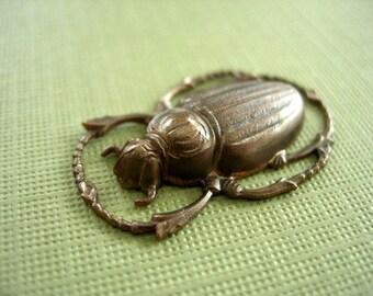vintaj brass scarab, 20 x 32mm scarab, large brass scarab