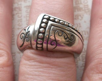 VINTAGE BRIGHTON Marked 925 Sterling Silver Abstract Ring,15grams,Size Between 6 to 6.25,not scrap,thick ornate band,heart hallmark
