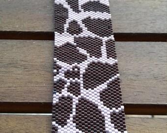 Leopard print peyote bracelet
