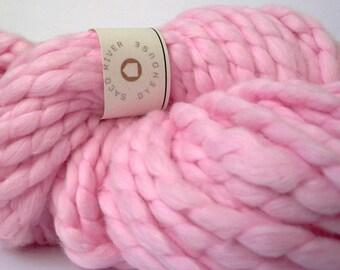 super bulky handspun cotton yarn . cotton candy . 82yd 100g 4.8oz . organically dyed extra chunky natural cotton roving yarn . light pink