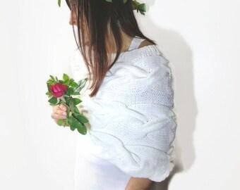 Bridal poncho, stark white poncho, cabled knitted poncho, statement white poncho, statement white capelet, bridal statement capelet