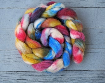 Hand Painted Rainbow ALPACA Combed Top Roving // Red Blue Yellow Green White 100% USA Alpaca Braid // Hand Dyed 4 Ounces