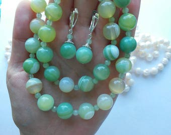 Necklace and earrings Agate green