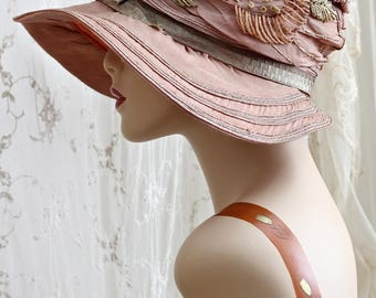 "Exquisite Antique ""Gibson Girl"" Hat / Titanic Era / Peach Silk Embroidered Hat  / Woven Straw Trim / 22"""
