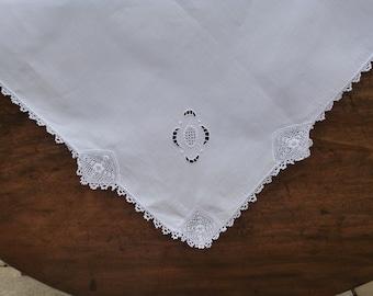 Irish Linen & Clones Lace Tablecloth