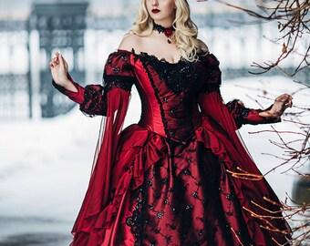 Robe noir et rouge gothique