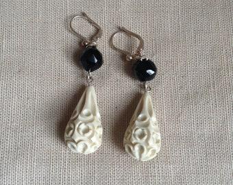 Boucles d'oreilles 1920 (blanc et noir).