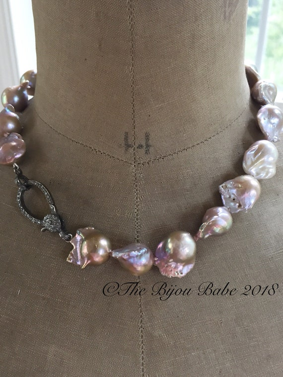 Flameball Pearl Necklace