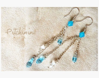 Various blue Swarovski beads for these earrings light and elegant