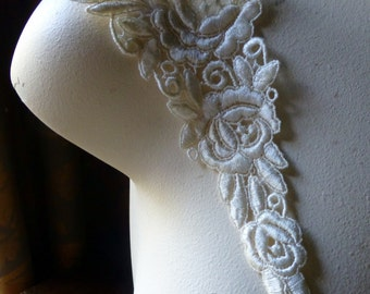 IVORY Lace Applique for Bridal, Costume or Jewelry Design IA 734