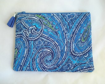 COSMETIC Bag / Blue PAISLEY Purse / Quilted Zipper Pouch / Paisley Pouch / BLUE Paisley Fabric / Purse Accessory / Purse Organizer