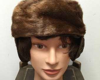 Vintage mid western ladies winter hat