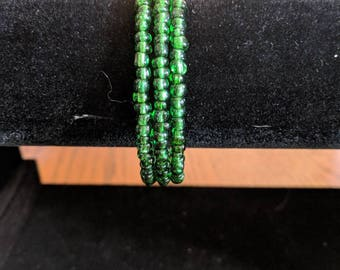 Memory wire bracelet- green glass 6/0 seed beads