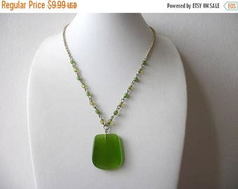 ON SALE Vintage Gold Tone Green Frosted Glass Necklace 91217