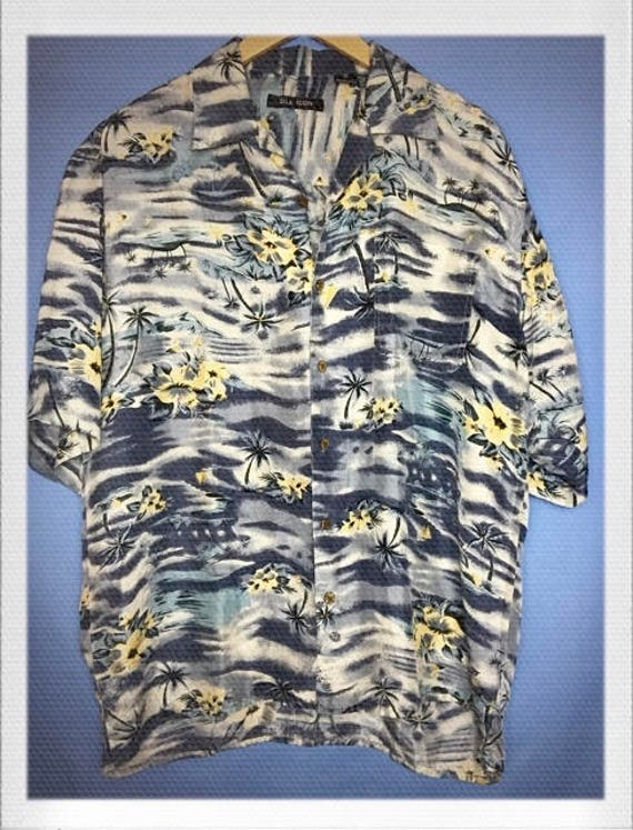 "Vintage Men's Silk Hawaiian Shirt Medium 21"" width 19"" length"