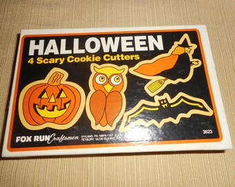 VINTAGE HALLOWEEN Metal Cookie Cutters by Fox Run