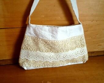 linen handbag and vintage lace * Bohemian handbag linen and lace French vintage, Bohemian, romantic wedding idea, bohemian wedding