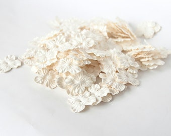 500 pcs - White Mulberry Paper Small Hydrangeas - Wholesale pack