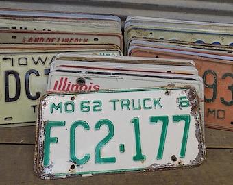 Set of 50 License Plates Lot Vintage Automobile Car Truck Tags in,  Vintage License Plates, Vintage Car Tags, Truck Tags, License Plate Art
