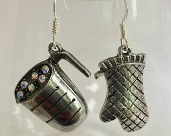 Earrings Mix and Match Collection Chef Special Measuring Cup with Bling and Oven Mitt Dangles