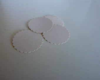 Circle sticker envelope seals - china white with scalloped edges