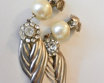 Magnificent original long earrings 1960 -Beautiful design with pearl, silver and  crystals flower-for the  Retro bride-Art.680/2 -