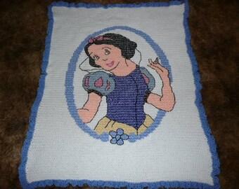 DIsneys Snow White ---- so pretty ----