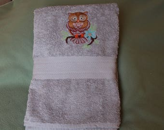 Embroidered bath cloth