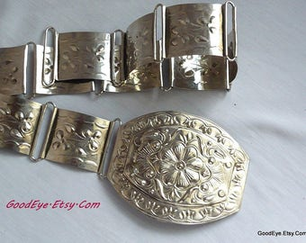 Chic EMBOSSED All Metal Cinch Belt / SILVERTONE Links 1980s / Waist 36 inches max / Western size small medium