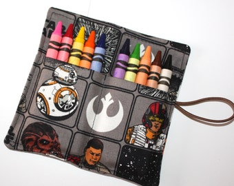 Star Wars Crayon Rolls READY TO SHIP  Party Favors Star Wars Chewbaca BB8 fabric, holds 10 crayons, Star Wars birthday party, Party Supplies