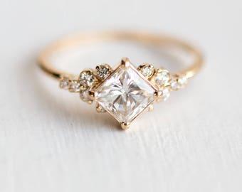 Stargaze Ring 3/4 Carat in 14k Gold // 5mm Princess Cut White Diamond Symmetrical Cluster Ring // Diamond Engagement Ring in Solid 14k Gold