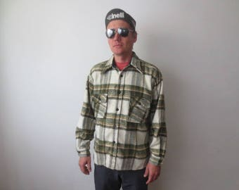Vintage '70s Kmart Thick, Heavyweight, Cozy White & Green Plaid Flannel w/ Anchor Buttons! Men's Medium
