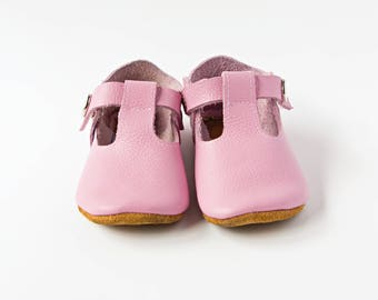 Rose Baby Shoes, Pink Baby Shoes, Baby T-Straps, Leather Baby Shoes, Newborn Crib shoes, Baby Gift, First Walkers, Baby Shoes