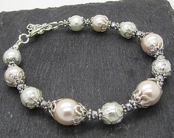 Peach Pearl Bridemaid Bracelet, Peach Bridesmaid Jewellery, Ivory and Peach Wedding Sets, Pale Peach Wedding, Bridal Party Gift, Bridal Sets