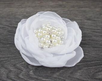 White Hair Flower - White Flower Clip - White Wedding Comb, White Comb, White Fascinator - White Flower Girls - White Flower Brooch