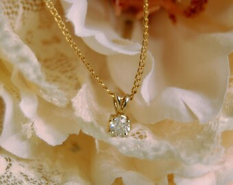 14K Yellow Gold Necklace with Solitaire Diamond