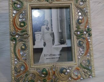 """beaded tabletop or wall photo frame 3 1/2  """" by 5 """"  ( 9CM by 13CM )"""