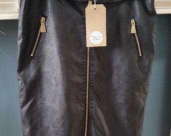 Vintage Imitation Leather Zipper Skirt