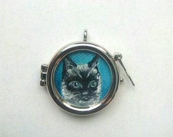 Pendant Siamese Cat Pet Portrait Oil Painting in Locket, Ready to Ship