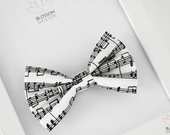 Music Note Bow Tie, Black White Bow Tie, Clip On Bow Tie, Boys Photo Prop, Wedding Bow Tie, Ring Bearer Bow Tie, Music Bow Tie, Note Bow Tie
