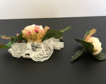 creamy corsage and boutonniere set