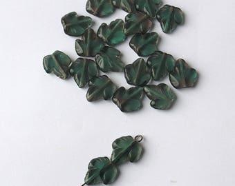 10 transparent Czech glass leaf beads green dark 15 mm x 12 mm