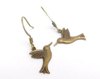 Bird Earrings, Dainty Bird Earrings, Antiqued Gold Brass Earrings, Bridesmaid Gift, Bridal Jewelry,  Wedding Jewelry Hawaiibeads