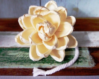 9 Lotus Sola Wood Diffuser Flowers 8 cm Dia. with cotton rope